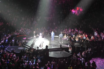 98 Degrees on stage at Air Canada Centre