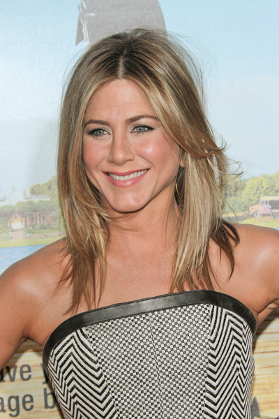 Jennifer Aniston Gets Engaged