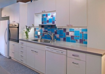A backsplash can be used to introduce colour and texture.
