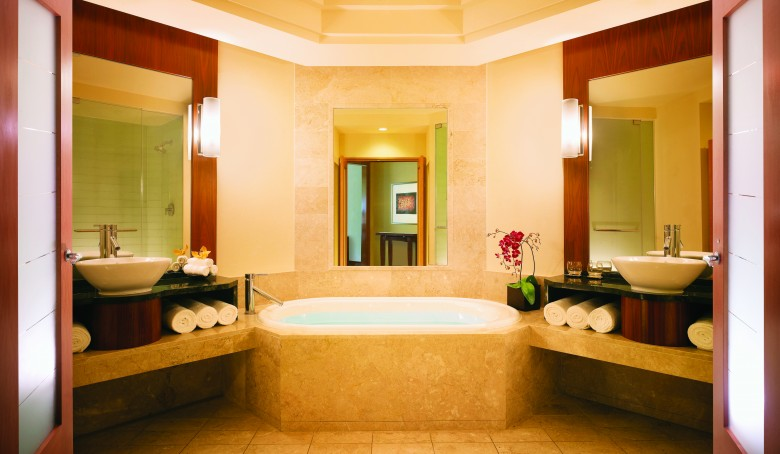 The_Cove_Atlantis_Ocean_Suite_Bathroom_2777_High