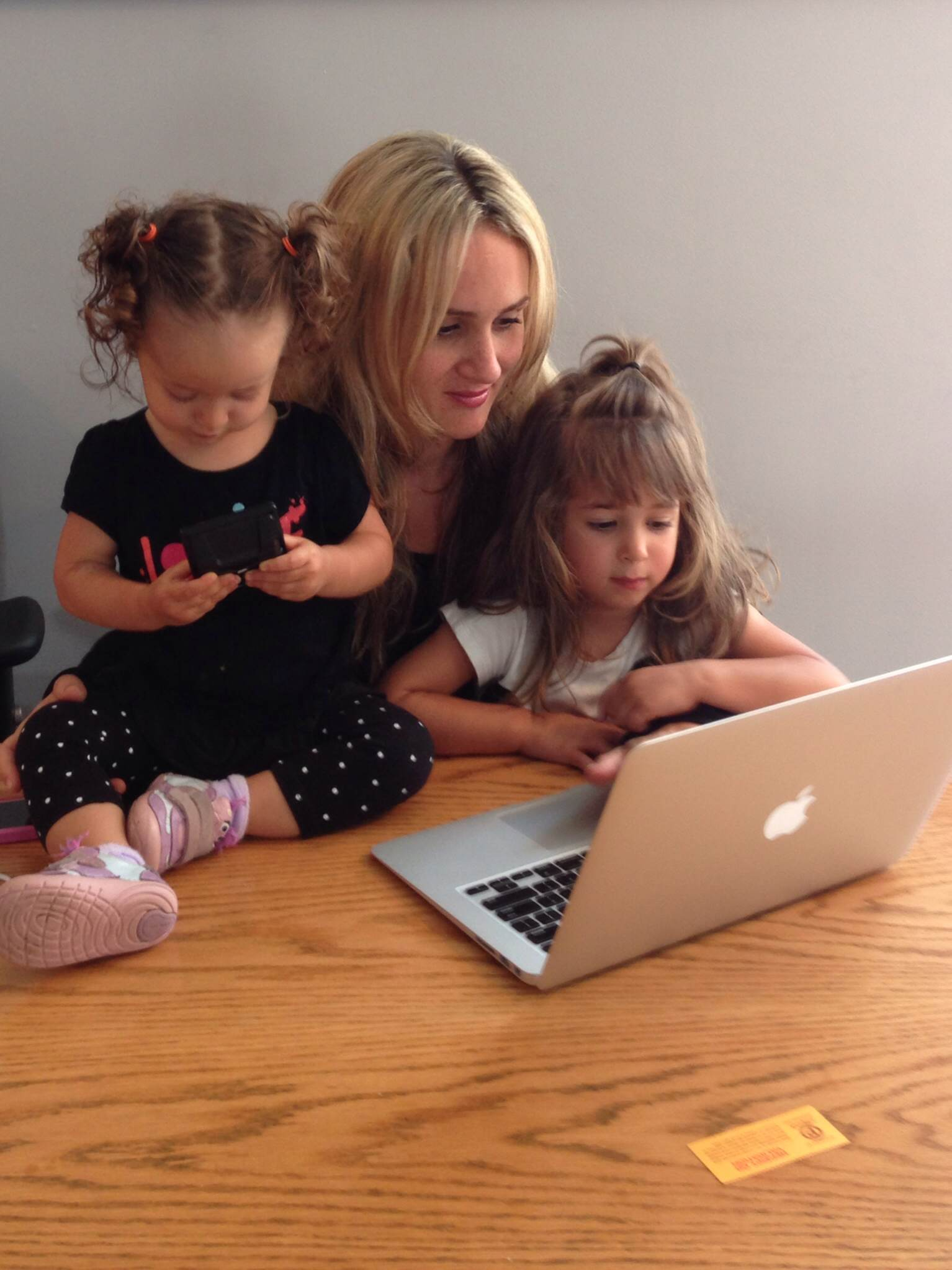 Thinking about starting a business? Advice from a mompreneur!