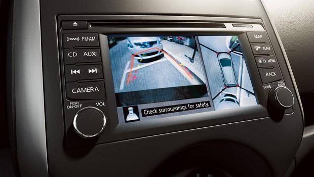 versa-note-around-the-view-monitor-625x1000