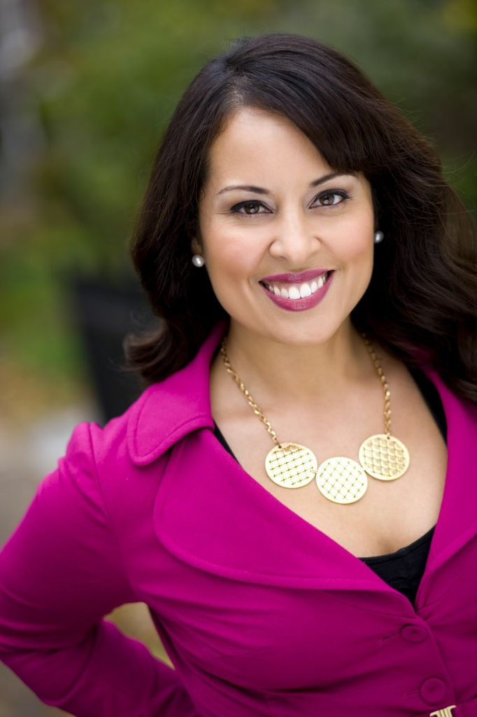 HGTV Critical Listing's Host Lisa Colalillo
