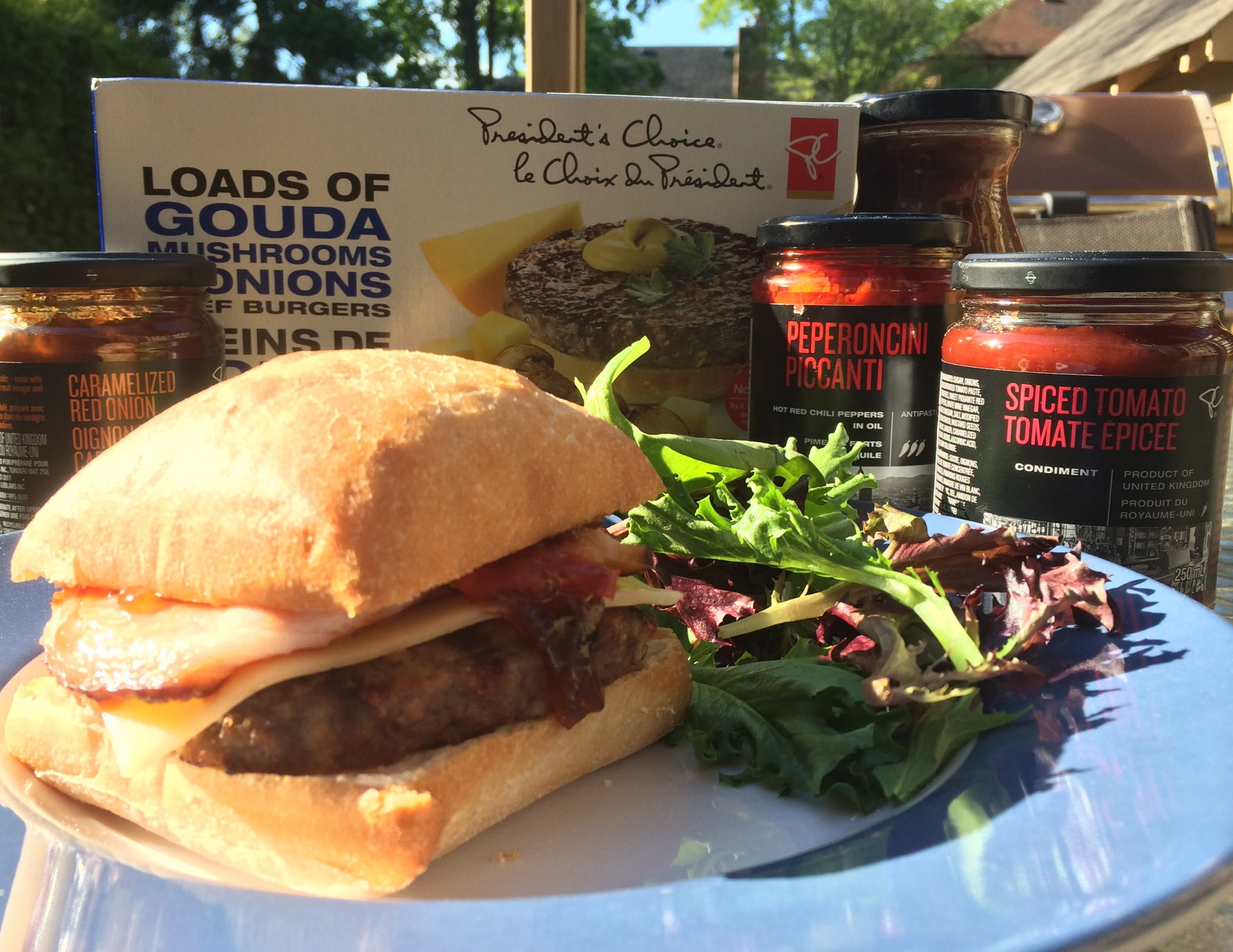 UrbanKitchen: Chef Rob Bragagnolo's Ultimate Burger Recipe