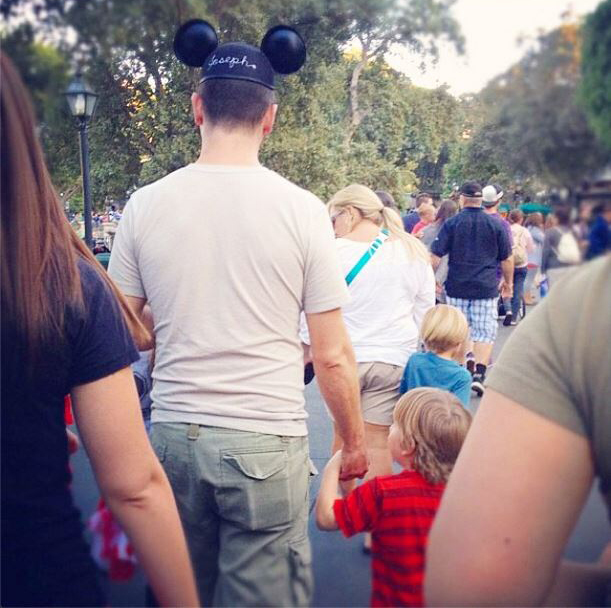 #DILFsOfDisneyLand Is The Happiest Place On Instagram