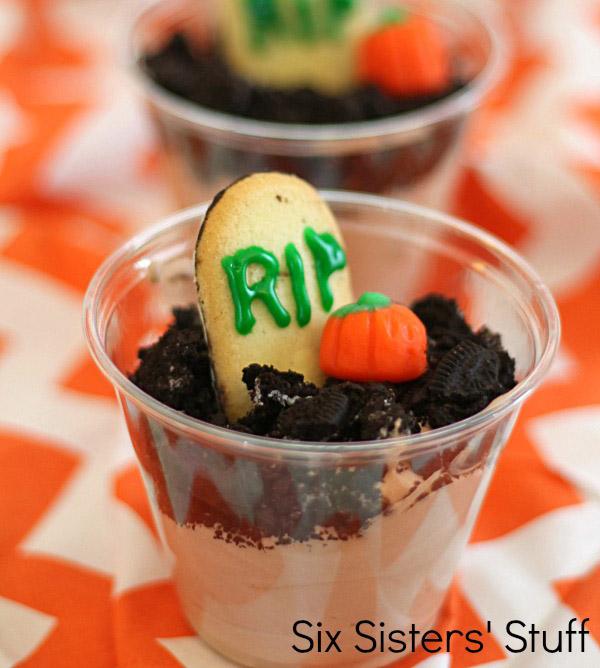 Graveyard-Pudding-Cups-Recipe1