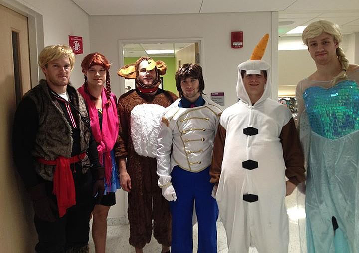 Professional Hockey Players Dress Up As The Cast Of Frozen