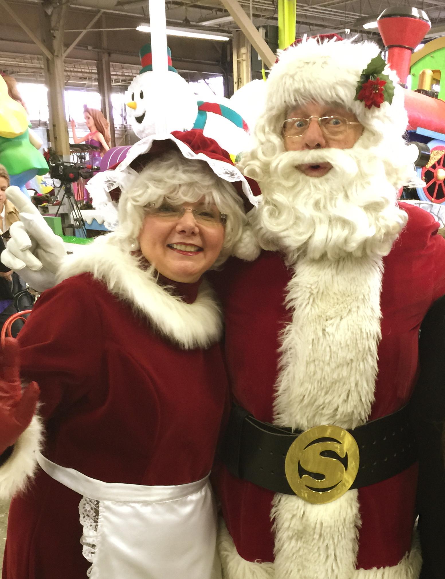 Santa Shares His Must-Sees At This Years Parade