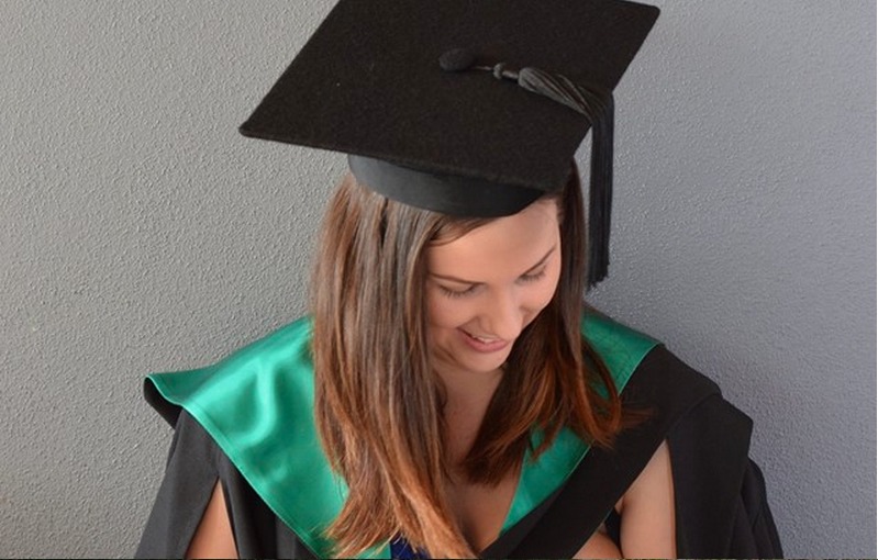 Why Everyone Is Loving This Graduation Photo