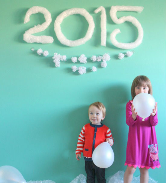 "An Easy ""Bubbly"" New Year's Eve Party For Kids"