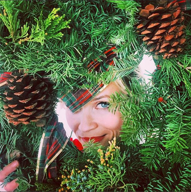 "Reese Witherspoon Reveals Her Own Take On The ""Wreath Witherspoon"""