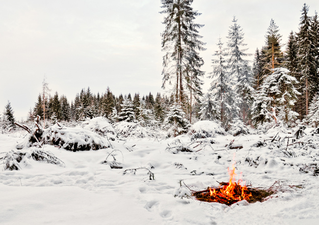 how to start a campfire in winter