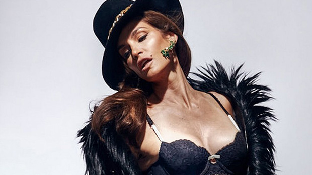 Cindy Crawford Does Marie Claire Free of Photoshop