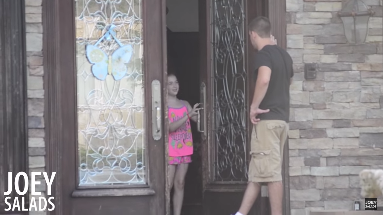 Would Your Kids Open The Door To A Stranger? These Kids Did