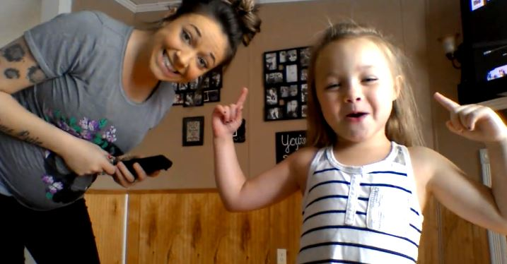 6-Year-Old & Her Pregnant Mom Nae Nae With The Best Of Them