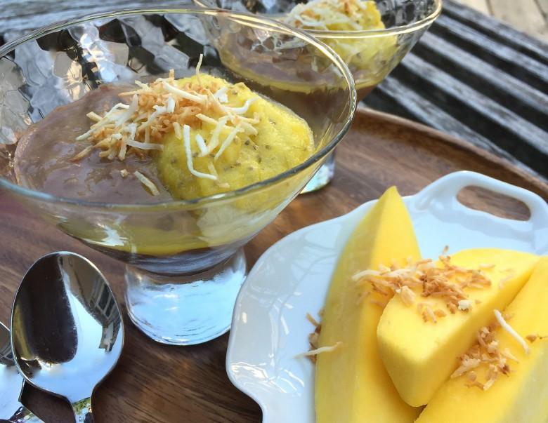 Nesquik Avocado Pudding Wiht Mango Chia Jam