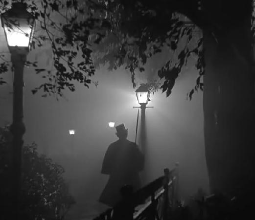 Five Of The Best Ghost Walks In Canada