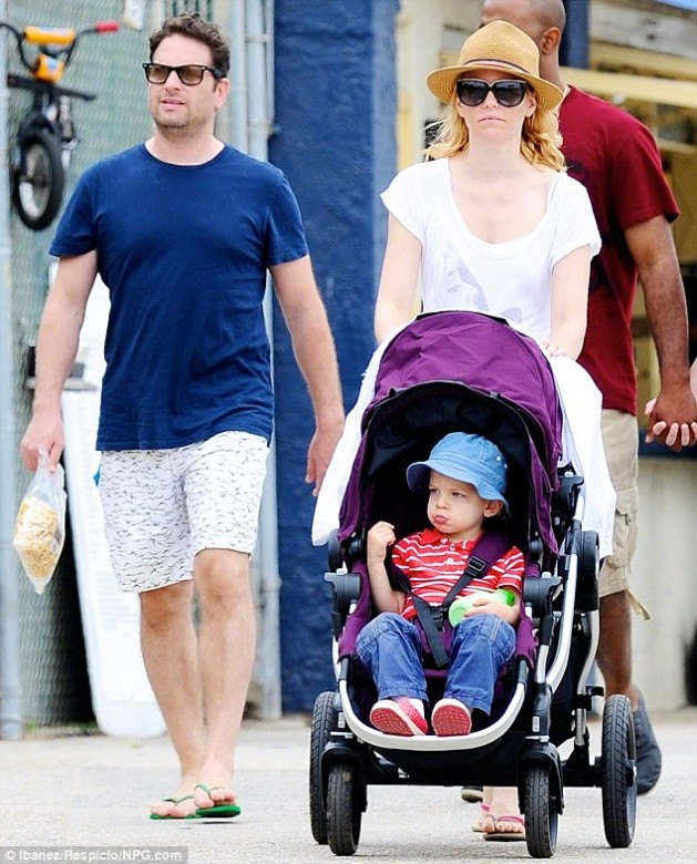 elizabeth banks, parenting advice, celebrity parents