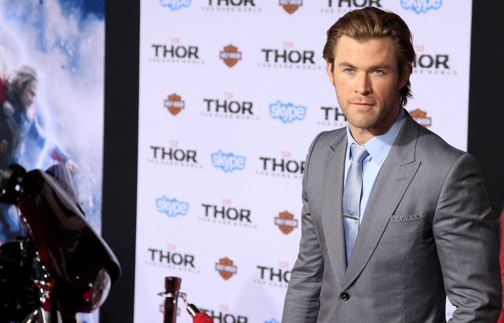 chris hemsworth, celebrity parents, celebrity dads