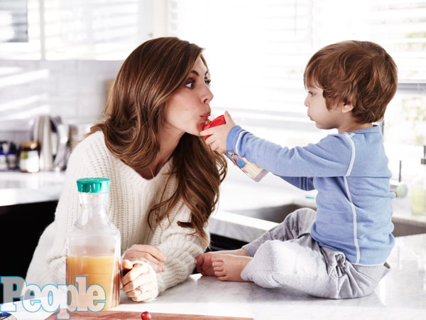 Multiple Sclerosis Doesn't Stop Jamie-Lynn Sigler From Being A Hands-On Mom