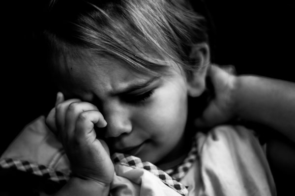 autism, girl, crying, Glenn Gameson-Burrows, photography, black and white, autism spectrum disorder,