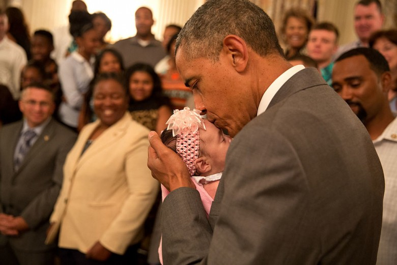 Pictures-President-Obama-Babies02