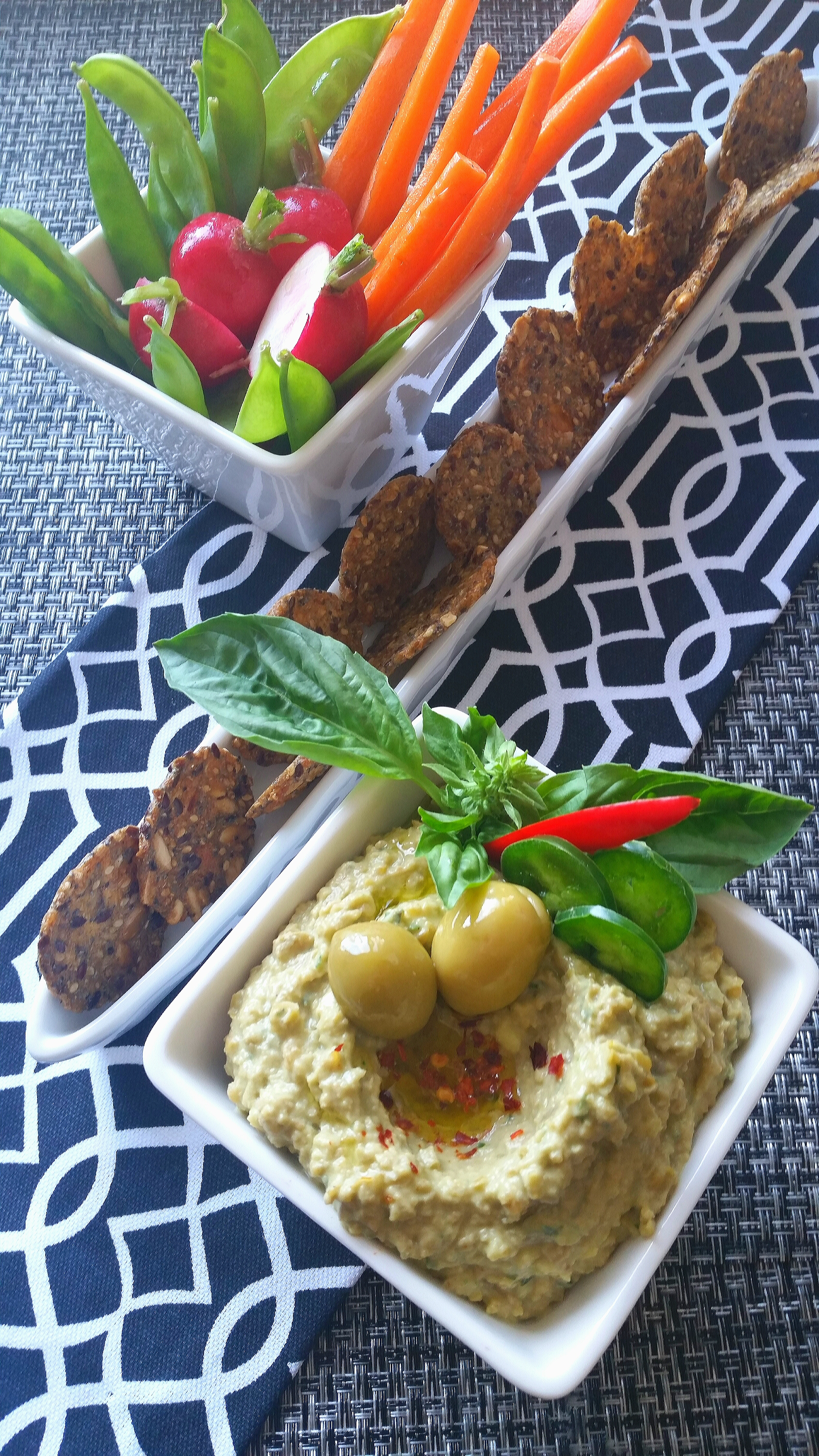 UrbanKitchen: Olive, Chickpea And Avocado Hummus