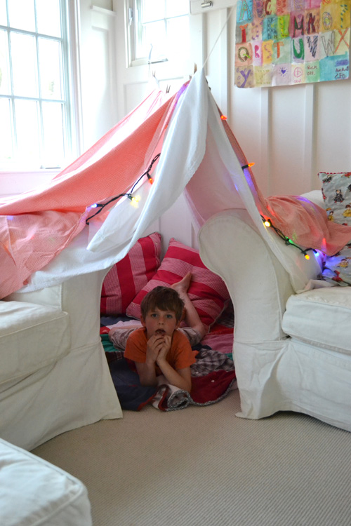 How To Build A Small Teepee Out Of  Sheets