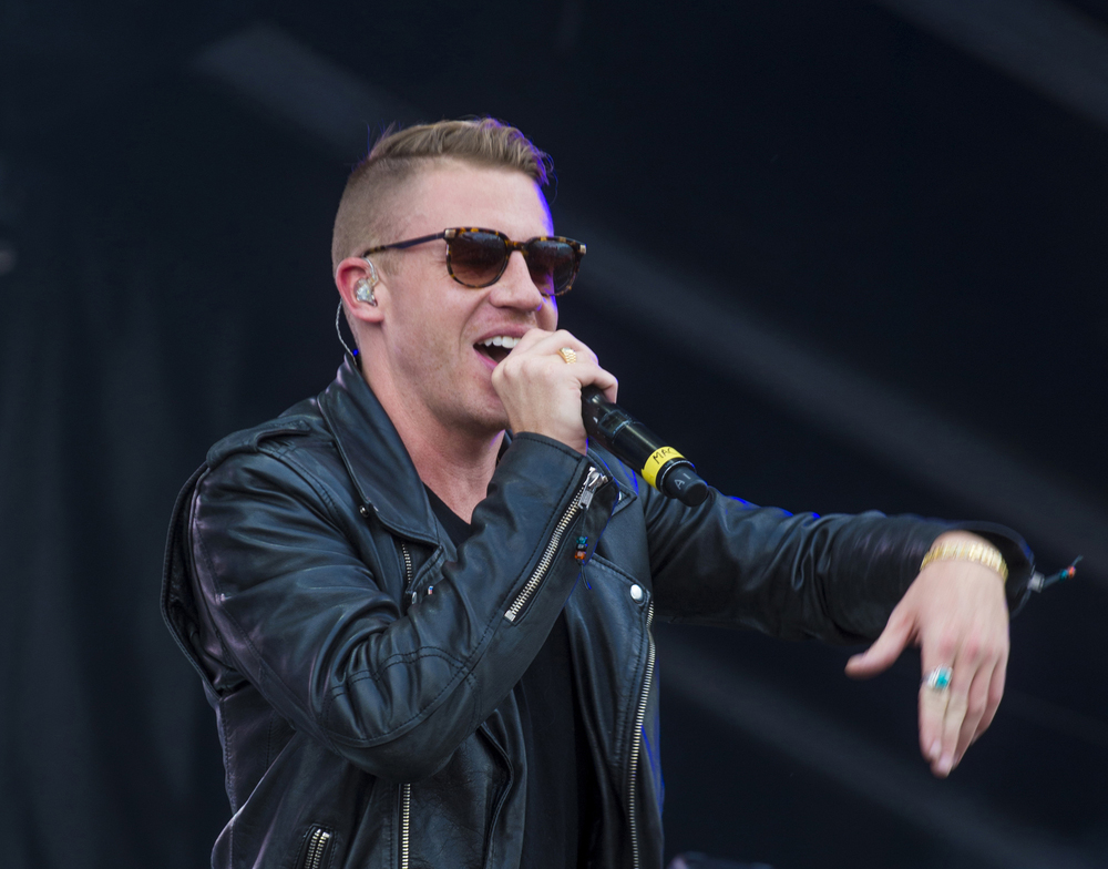 Macklemore Is A Baby-Wearing Champ In Ireland