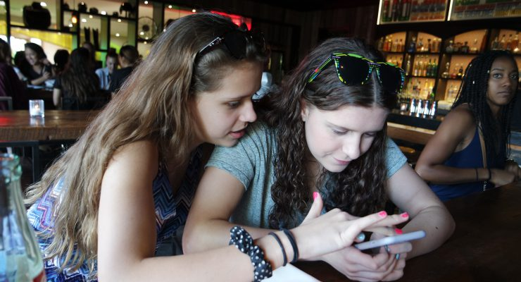 teens phone curfew