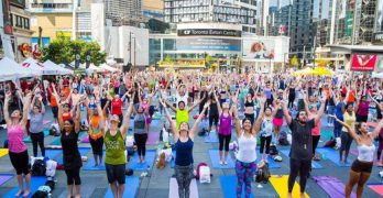 Inspiring Yoga Classes In Toronto That Take Place Outside The Studio