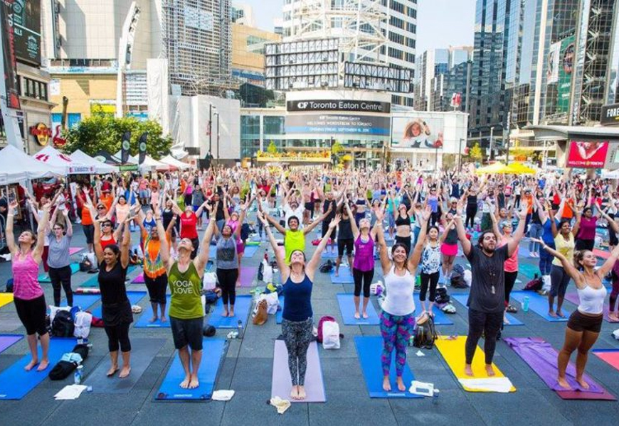 Inspiring Yoga Classes In Toronto That Take Place Outside The Studio Urbanmoms